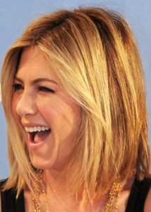 jennifer anistone blonde straight layered bob hairstyle