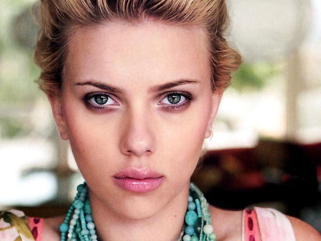 Scarlett Johansson photos 2012