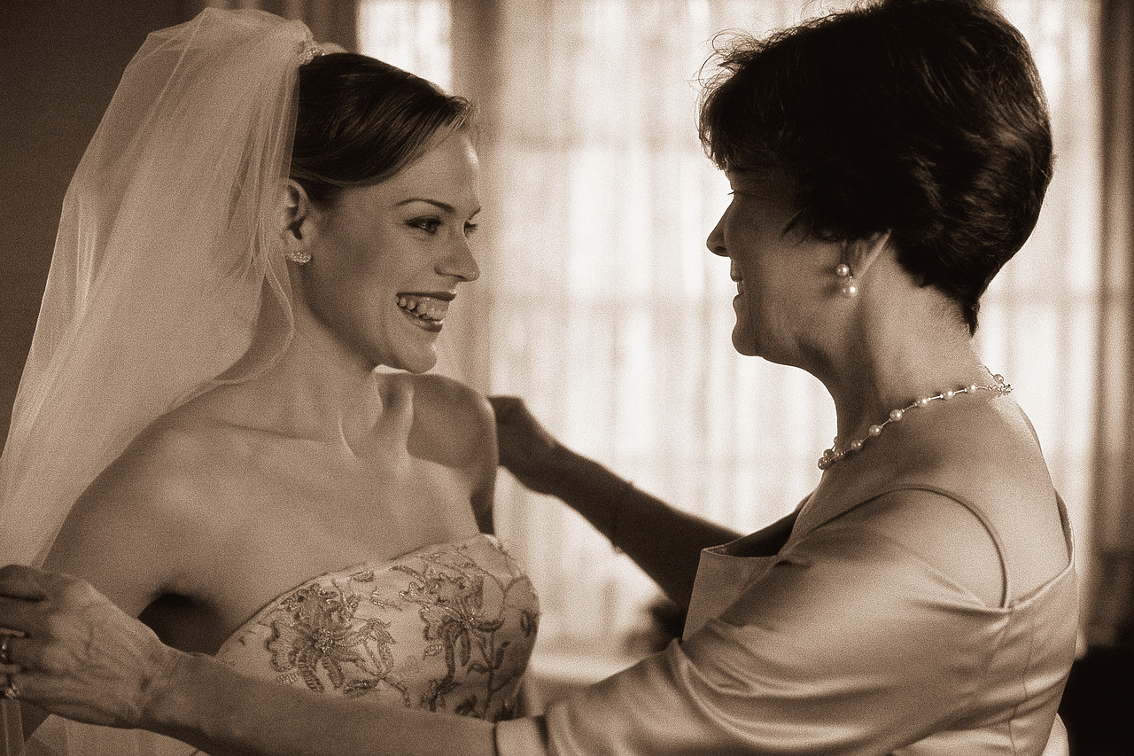 Bridal with mother